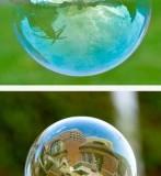تصاویر مکان های مشهور دنیا درون حباب صابون