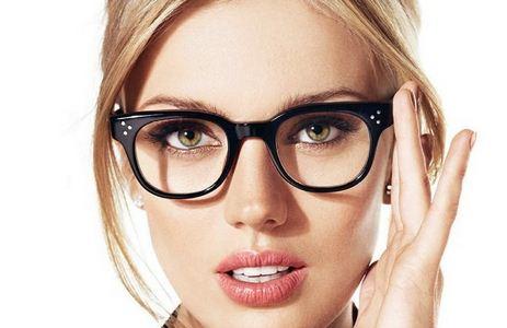 آرایش صورت مناسب برای افراد عینکی