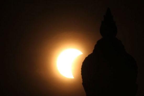 1371503 371 - خورشید گرفتگی آمریکا پس از سال ١٩١٨