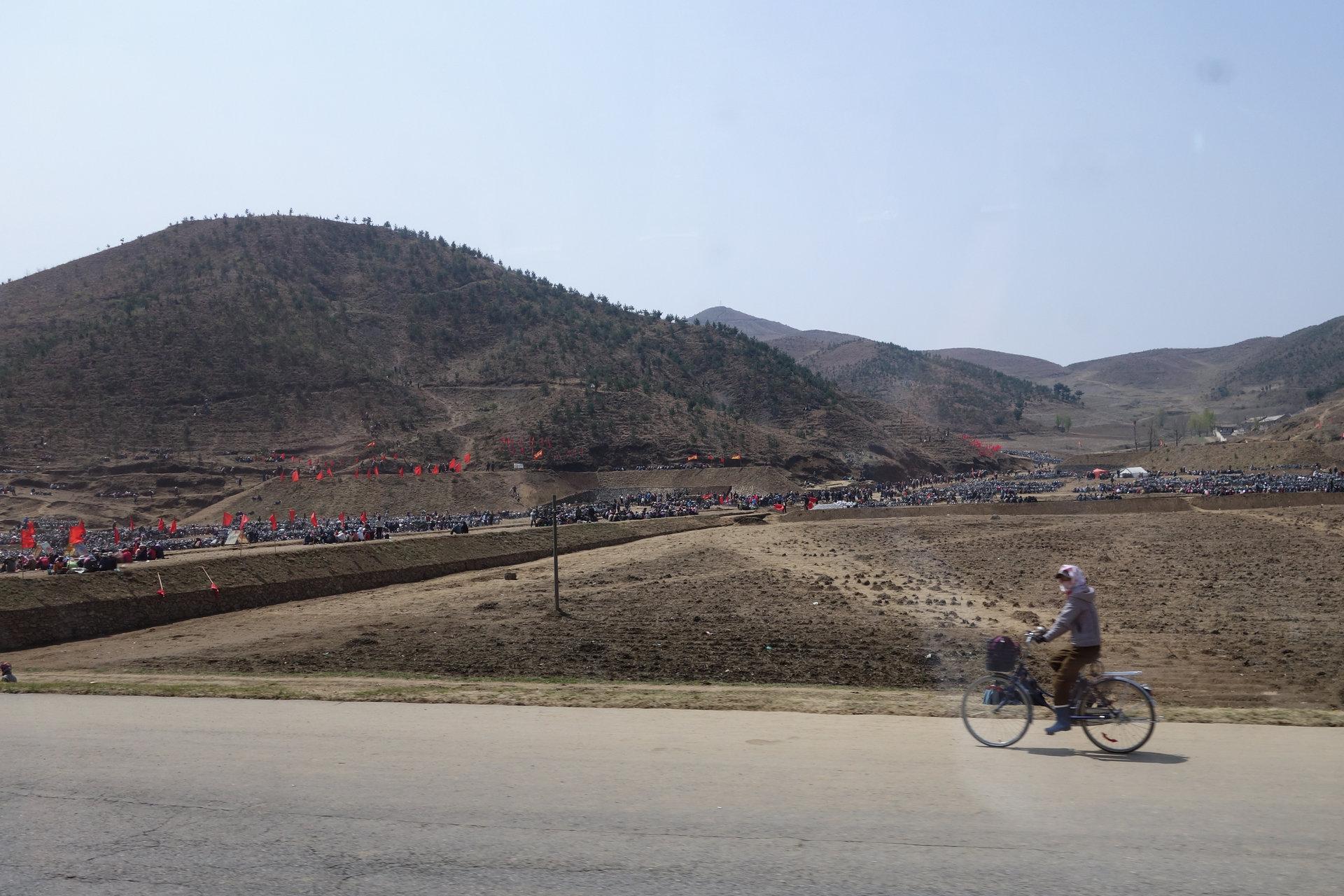 3 27 - تفاوت کره شمالی و کره جنوبی از روی عکس