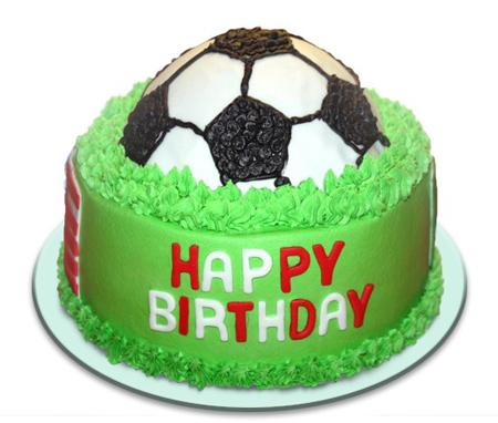 کیک تولد به شکل توپ,کیک زمین فوتبال