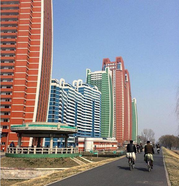4 28 - کارها و وسایلی که در کره شمالی ممنوع است