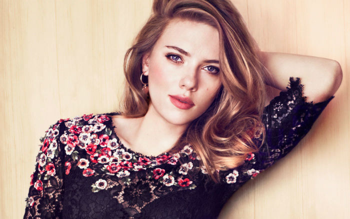Scarlett Johansson Beautiful w700 - زنان هالیودی که بیشترین ازدواج و نامزدی را داشتن