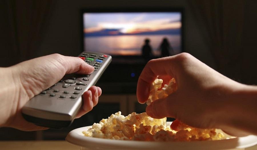 Hablando de tendencias quedarse en casao salir de fiesta - کنترل تلویزیون محل انباشت آلودگی است