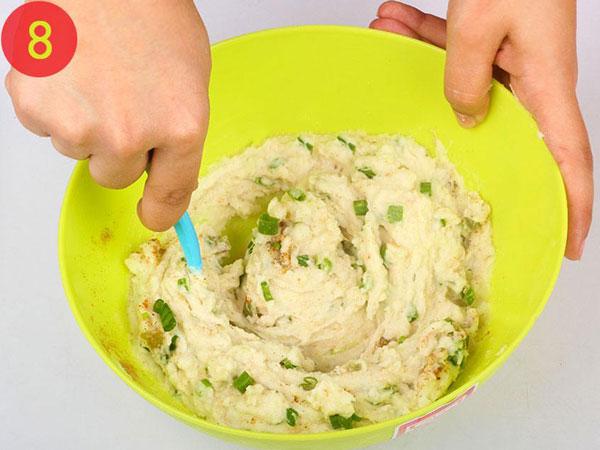 مرحله 8 تهیه توپک پنیری سوخاری