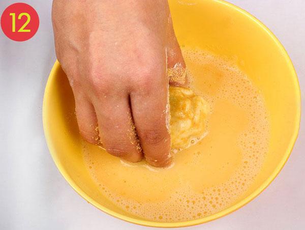 مرحله 12 تهیه توپک پنیری سوخاری