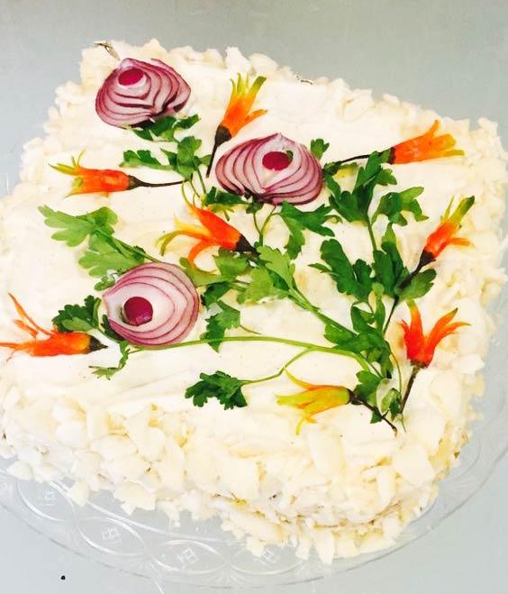 تزیین سالاد الویه برای تولد با سبزیجات