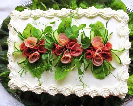 تزیین سالاد الویه برای تولد با سبزیجات و ژامبون