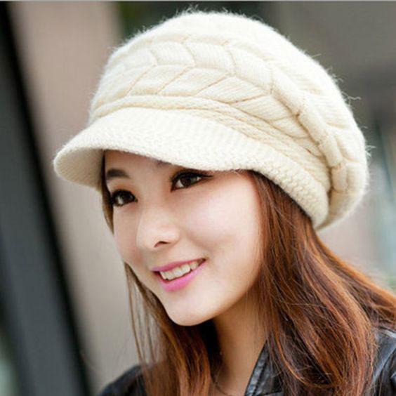 مدل کلاه بافتنی دخترانه لبه دار سفید