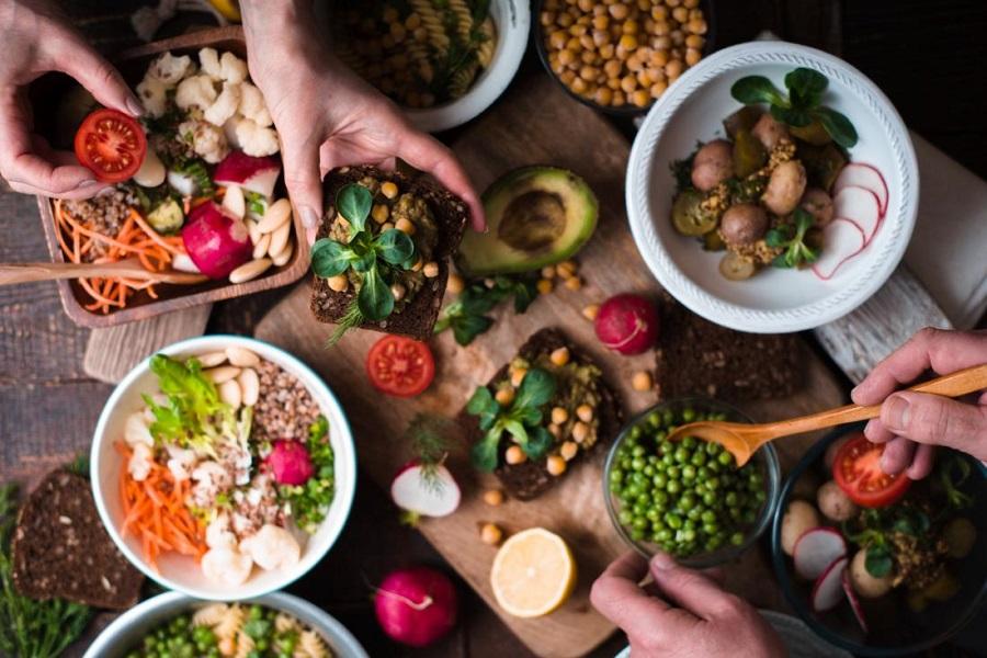 رژیم غذایی گیاهخواری چه تغییراتی در بدن ایجاد میکند؟