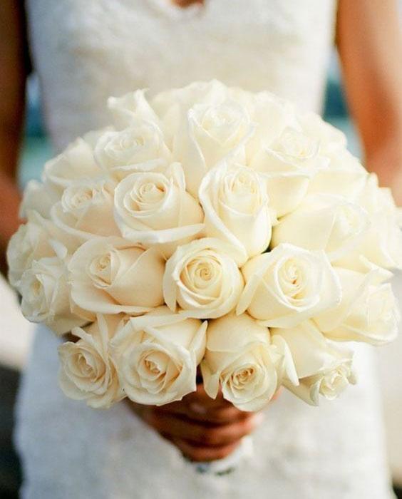 دسته گل عروس با رز سفید غنچه