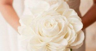 184936 187 310x165 - مدلهای دسته گل عروس با رز سفید
