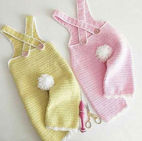 انواع مدلهای لباس بافتنی نوزاد پسر - شلوار پیش بندی بافتنی نوزادی