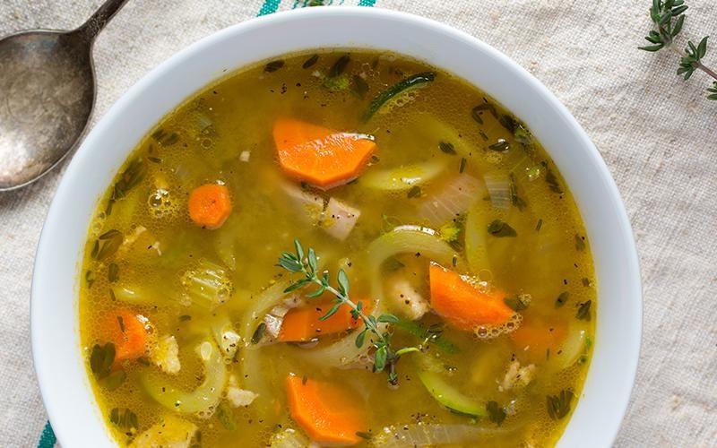 سوپ مرغ برای سرماخوردگی