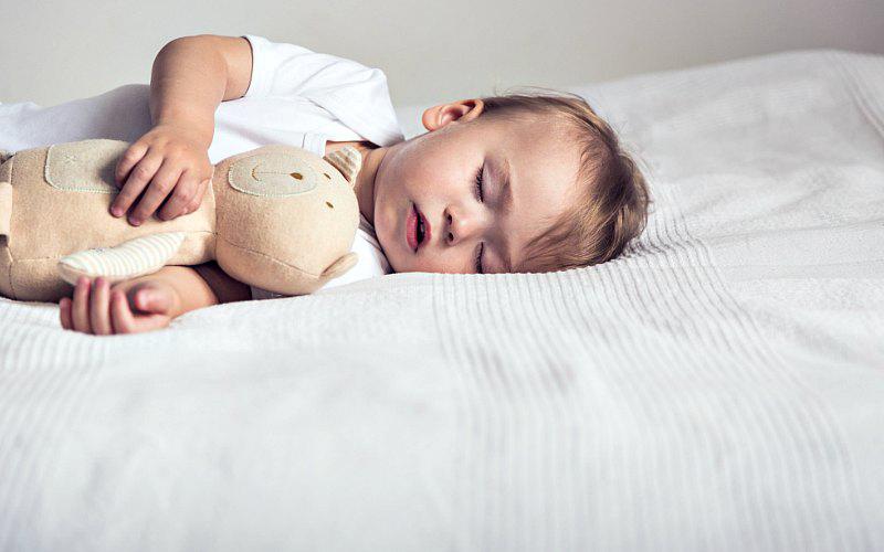 کم خوابی و مشکلات رایج در خواب کودکان