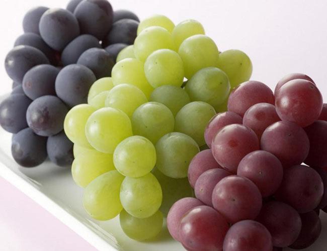 مزایای انگور برای پوست