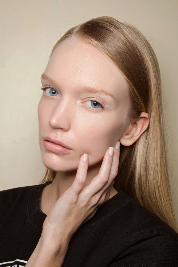مواد آرایشی که پوست را خشک می کنند