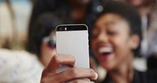 selfie  310x165 - چطور عکس سلفی خوب بگیریم