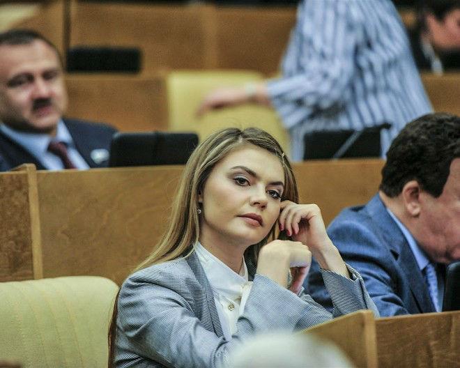 97 09 c29 2451 - زیباترین و جذاب ترین زنان سیاستمدار جهان