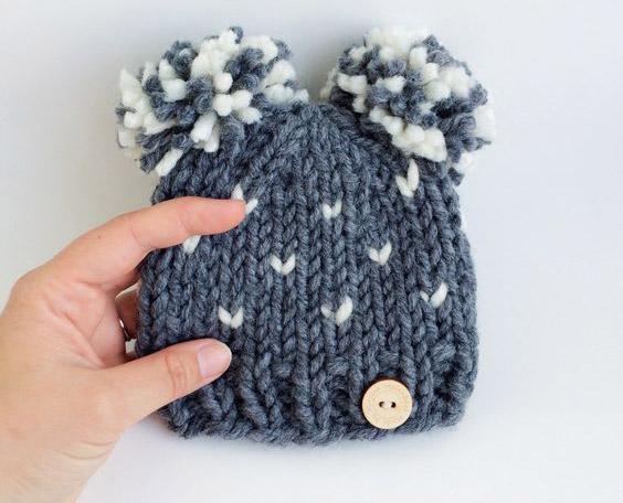 عکس بافت کلاه ساده با میل مدل گوش خرسی