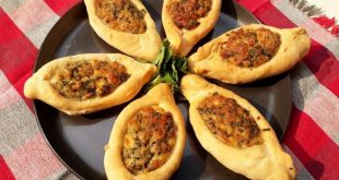 cook 1 310x165 - آموزش تصویری پخت فطایر پنیری غذای عربی