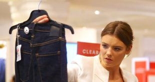 shopping 1 310x165 - لباسهایی که نباید خرید