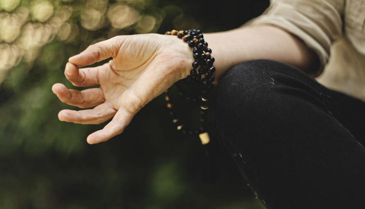 ۶ حرکت یوگا که به بهتر شدن رابطه جنسی شما کمک میکنند