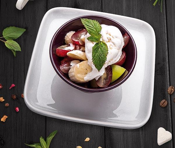 سالاد میوه با بستنی
