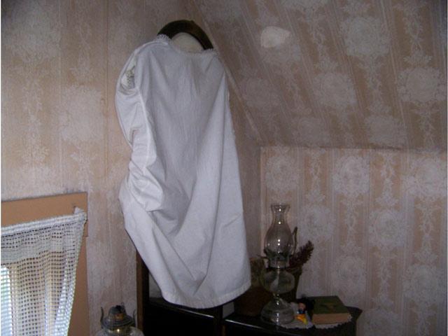 mourning 5 - رسم و رسومات عجیب مراسم خاکسپاری