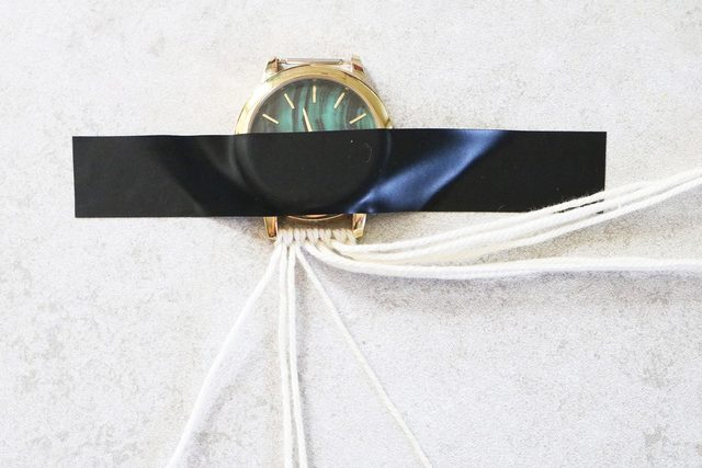 watch 10 - آموزش تصویری بافت بند ساعت با کاموا