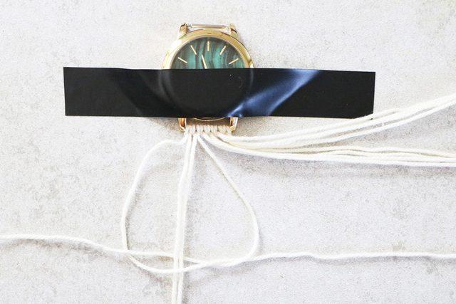watch 12 - آموزش تصویری بافت بند ساعت با کاموا