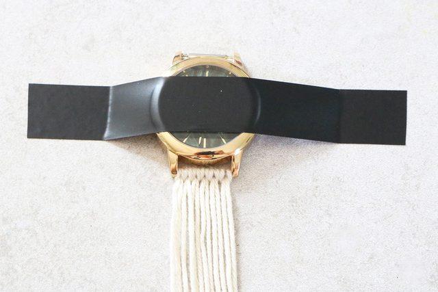 watch 8 - آموزش تصویری بافت بند ساعت با کاموا