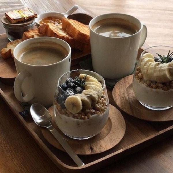میز صبحانه مقوی برای عروس و داماد