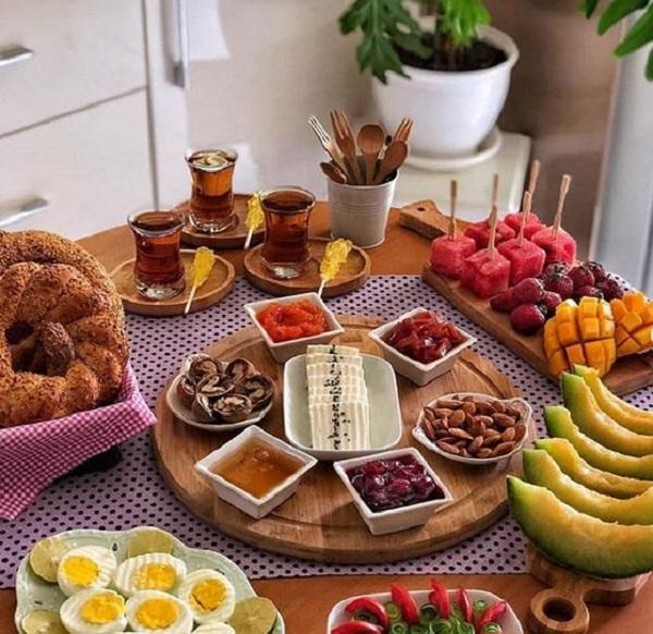 صبحانه رؤیایی برای عروس و داماد