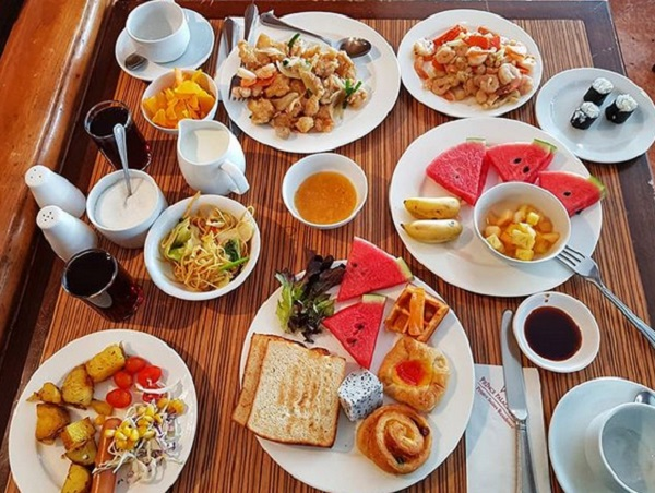 صبحانه متنوع برای عروس