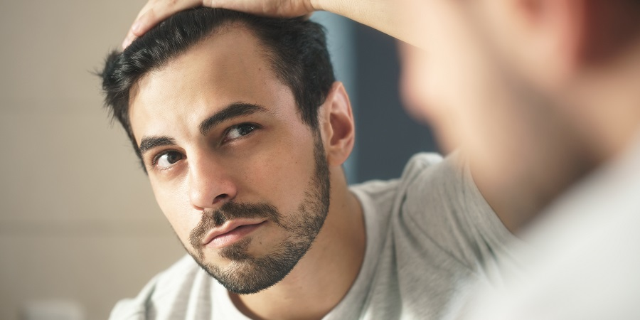 balding 0 - علایم خطرناکی که همراه با ریزش مو اتفاق میافتند