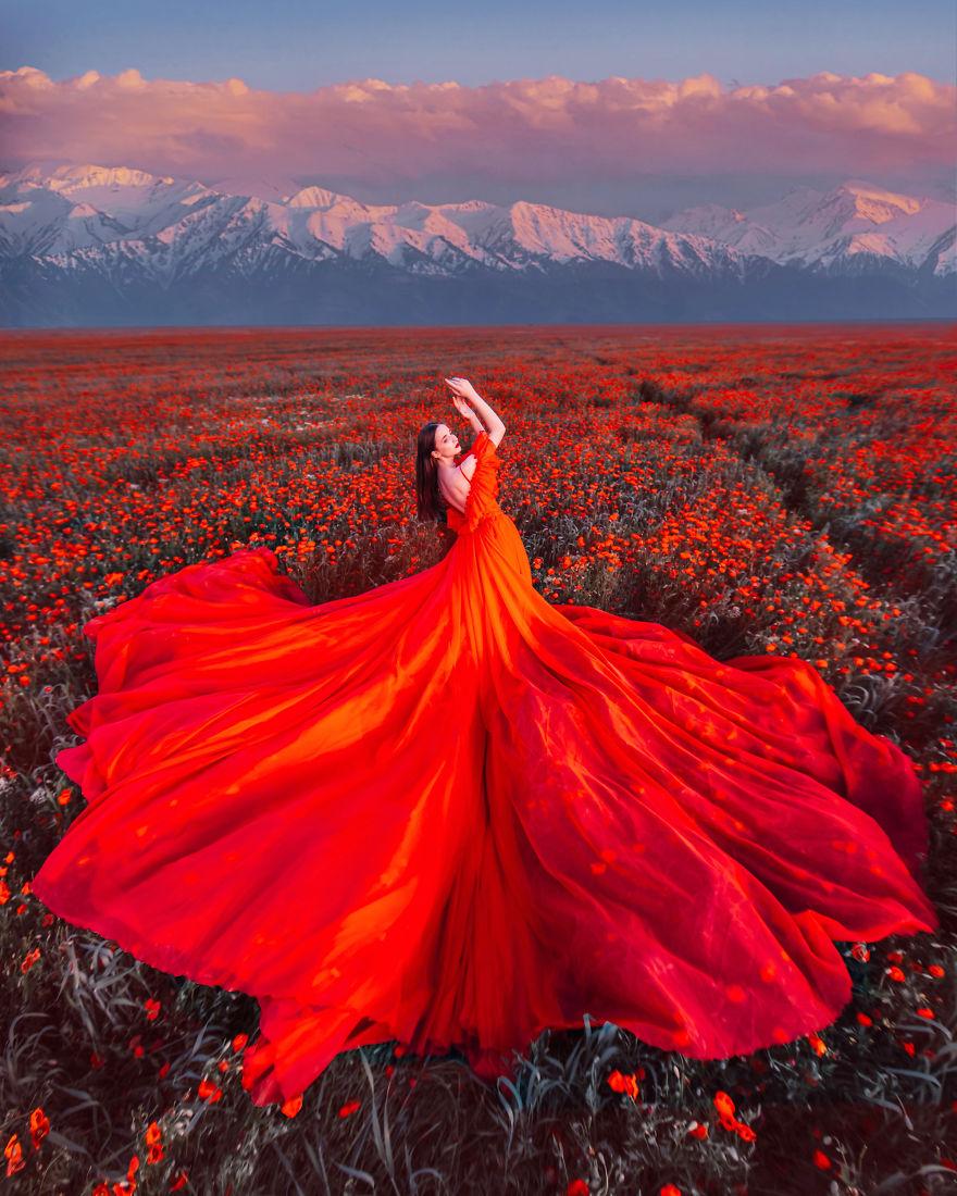 9 2 - لباسهای زیبا و طراحی بینظیر در زیباترین مکانهای گردشگری دنیا