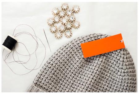 decorating1 simple2 knit2 hat2 - آموزش تصویری دو مدل تزیین کلاه بافتنی