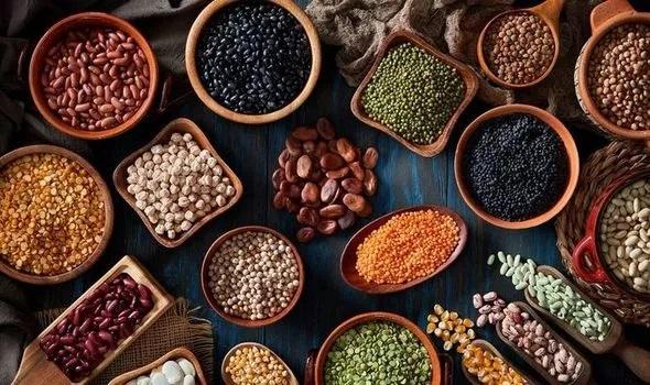 1 A plant based diet includes foods like fresh fruits and vegetables whole grains beans legumes nuts and seeds 1280878 - استفاده از رژیم غذایی وگان (گیاهی) برای لاغری