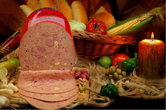 2384850 132 - آموزش درست کردن کالباس گوشت و مرغ در خانه