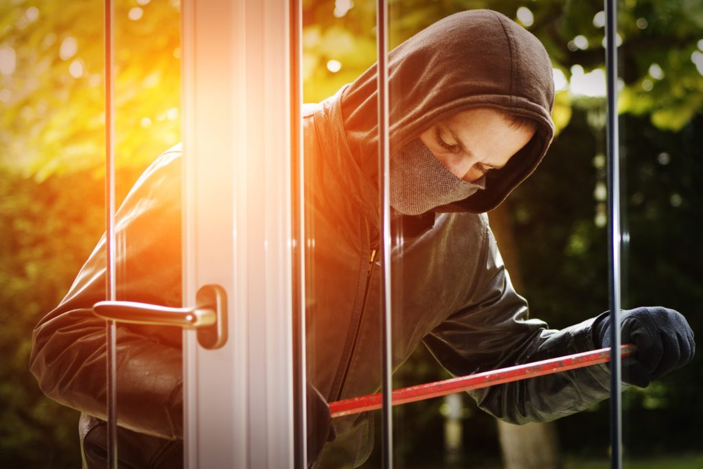 prevent home burglary 1024x684 - راههای جلوگیری از سرقت خانه